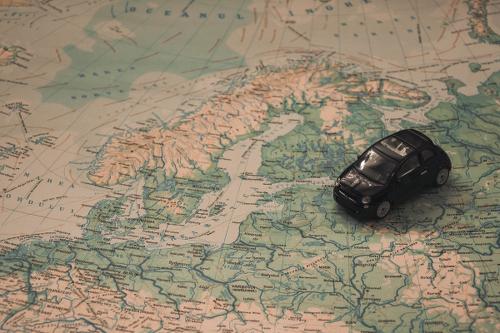 Wenn Sie mit dem Auto ins Ausland fahren gibt es viel zu beachten