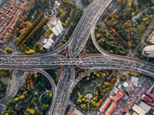 Die CDU strebt eine Autobahn-Privatisierung an, indem private Investoren einbezogen werden sollen.