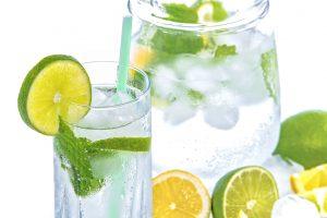 Viel Trinken ist bei einem Sommertrip mit eigener Anreise sehr wichtig