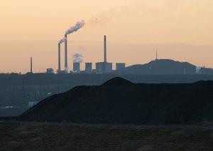 Luftverschmutzung durch Industrieanlagen.